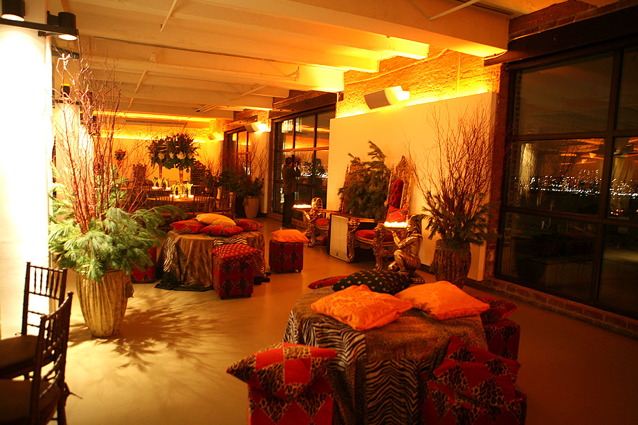 i/events/corporate/01Corporate Party NYC Loft/02CorporateHolidayPartyNYCloft.jpg